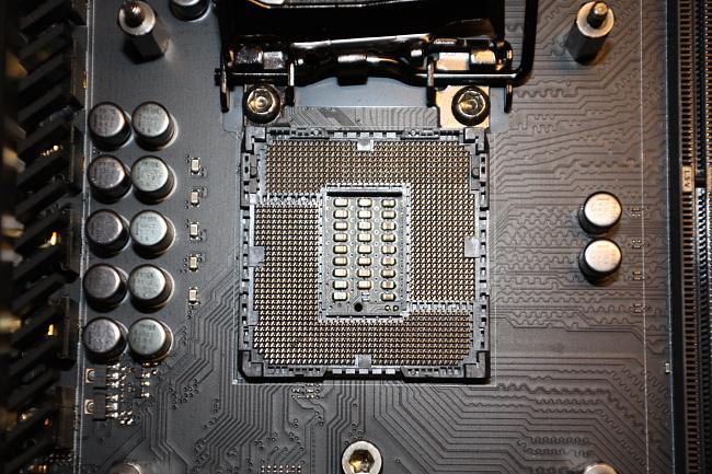 DIMM slots A1 and A2 aren't working due to possible AIO cooler