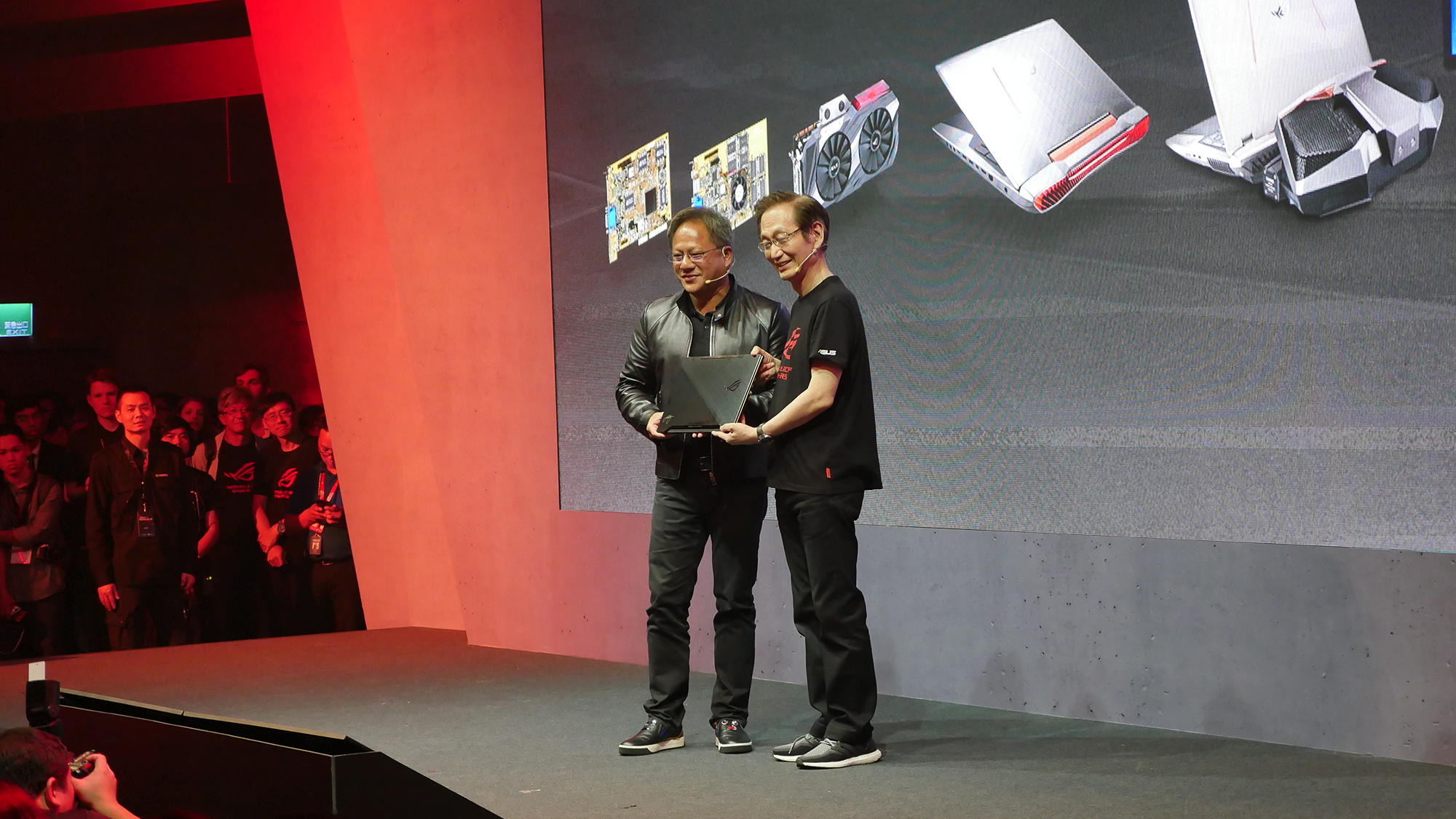 Jonney-presents-Jensen-Huang-of-NVIDIA-an-ROG-Zephyrus-d