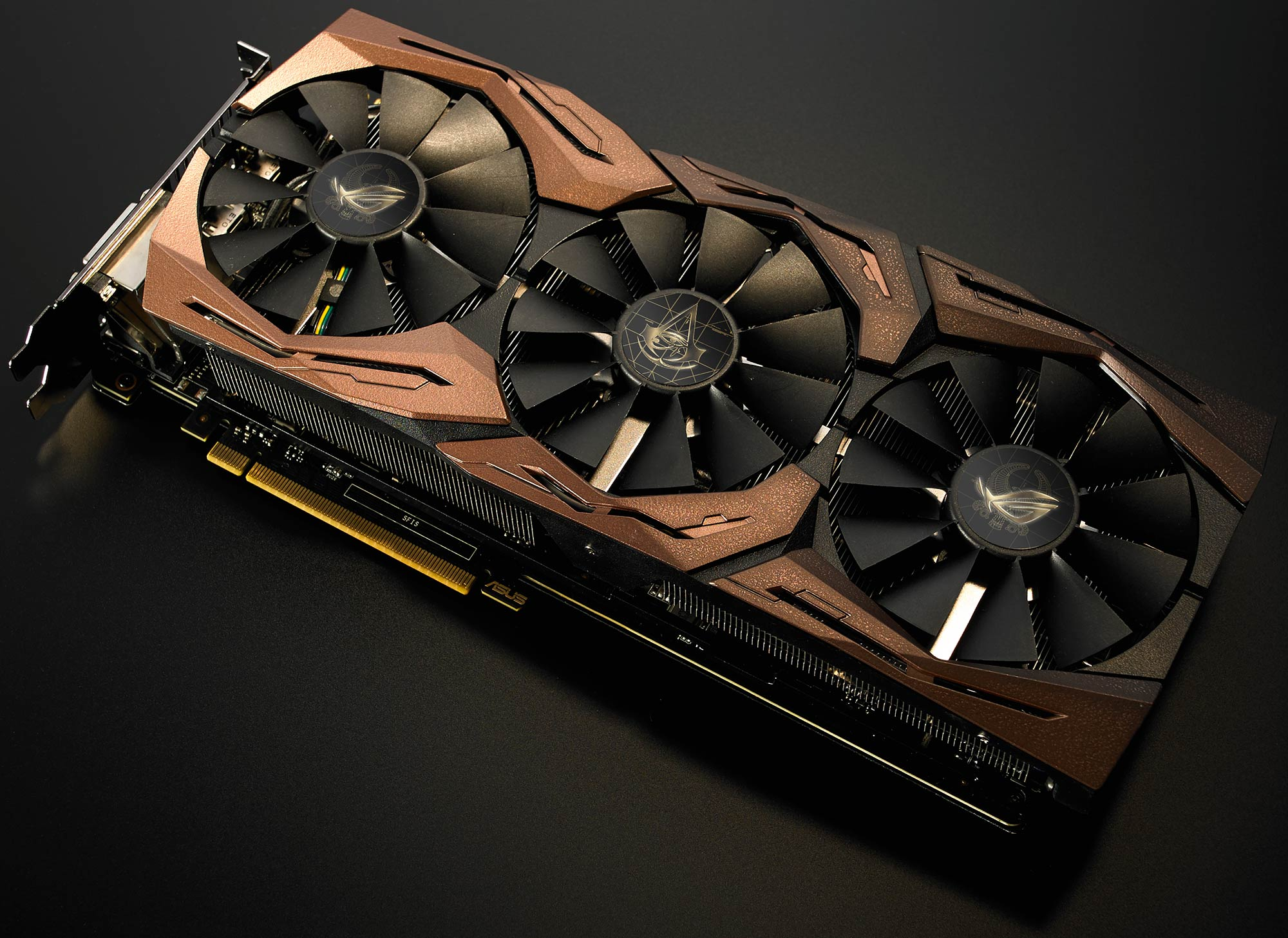 Asus ROG Strix GTX 1080 Ti  Limited Edition 3