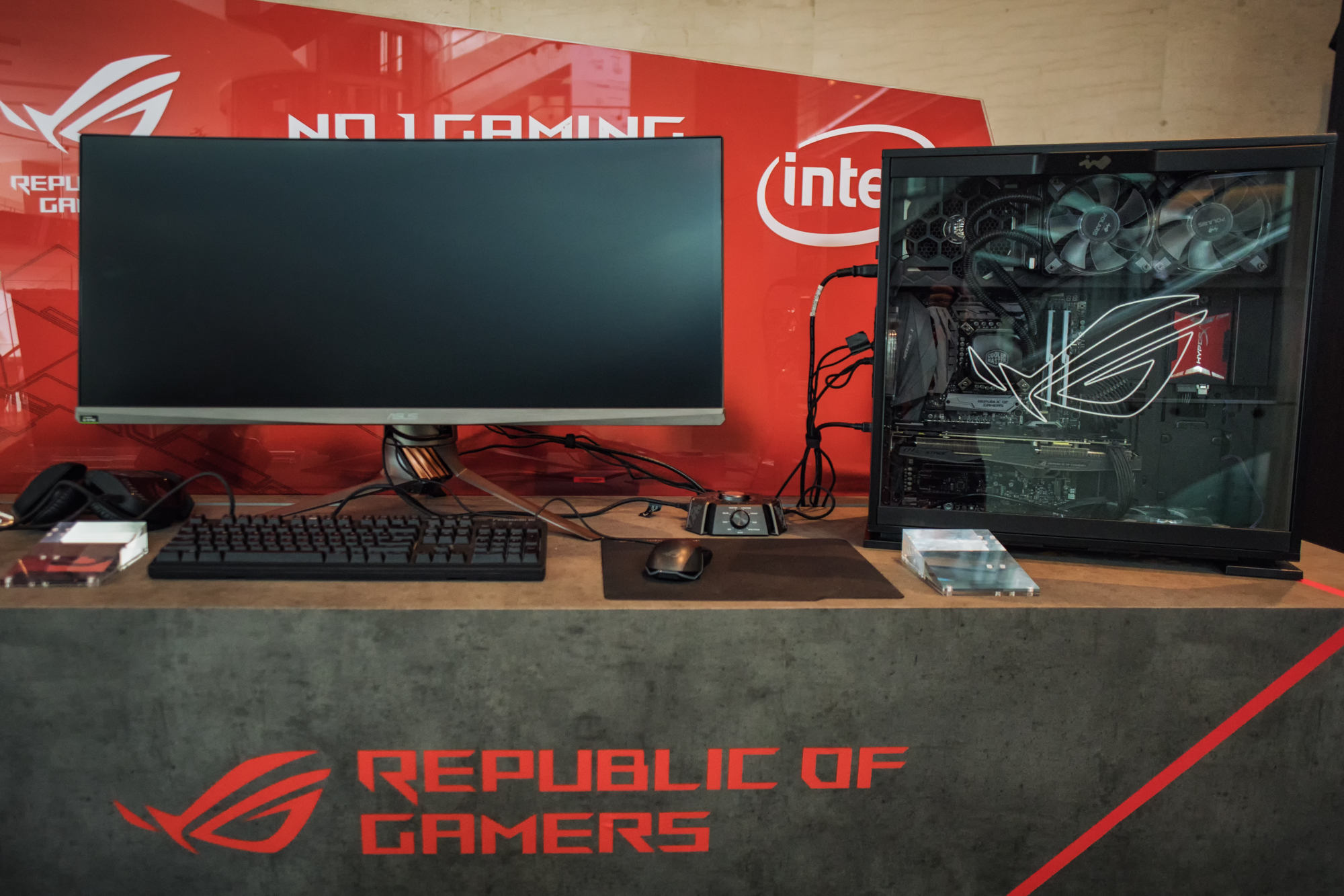 rog-masters-kl-hardware-small2