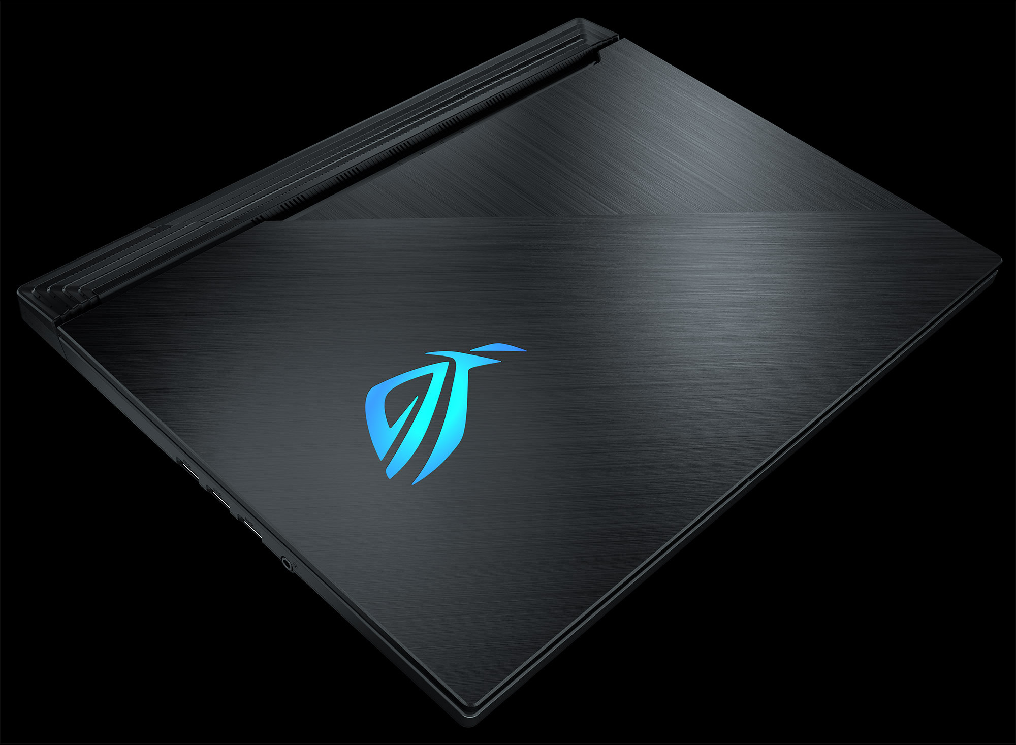 Achieve esports excellence at up to 240Hz on the Strix SCAR