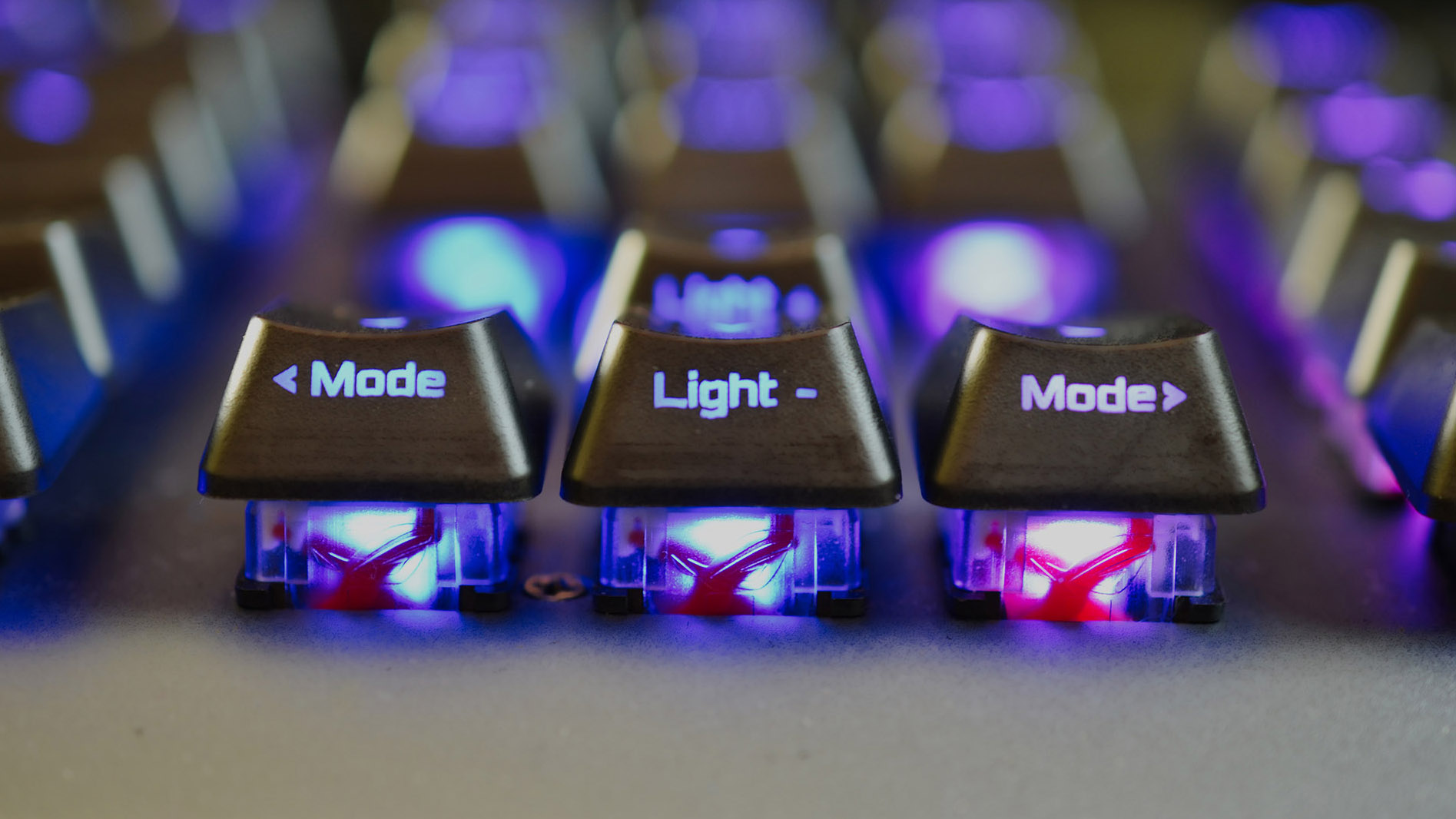 Hands-on: ROG RX Red Optical Mechanical switches up the ROG Strix Scope RX's game