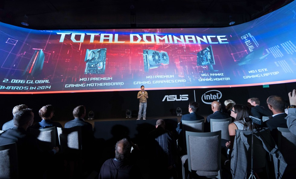 ASUS ROG Marketing Director Derek Yu showcases latest ROG products at press event in Berlin