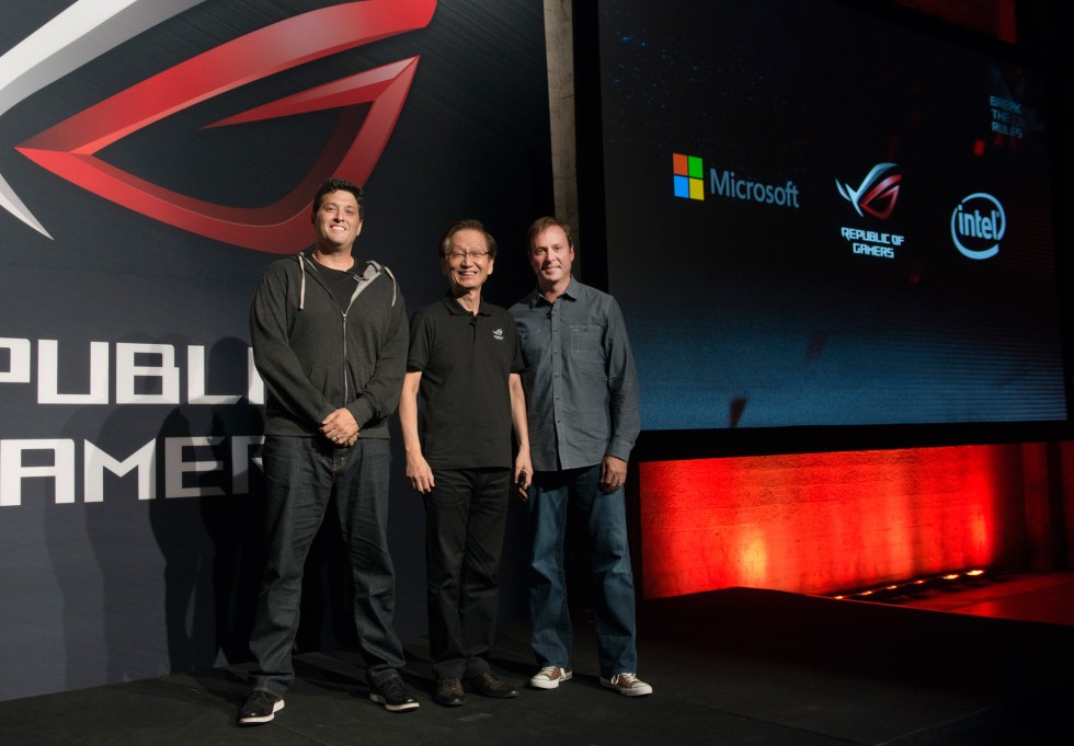 1-ASUS-Chairman-Jonney-Shih-is-joined-on-stage-by-Microsoft's-Executive-VP-Terry-Myerson-and-Intel's-Senior-VP-Kirk-Skaugen-to-celebrate-collaboration-on-gaming-breakthroughs